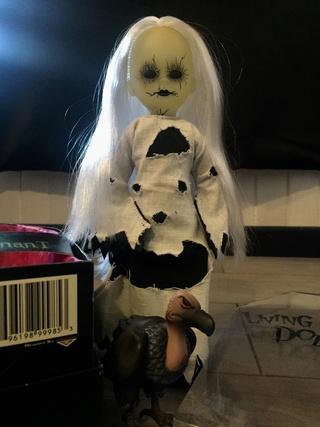 [VENDS] Living Dead Dolls (modèles rares) Img_8417