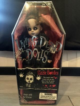 [VENDS] Living Dead Dolls (modèles rares) Img_8419
