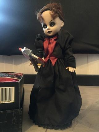 [VENDS] Living Dead Dolls (modèles rares) Img_8420