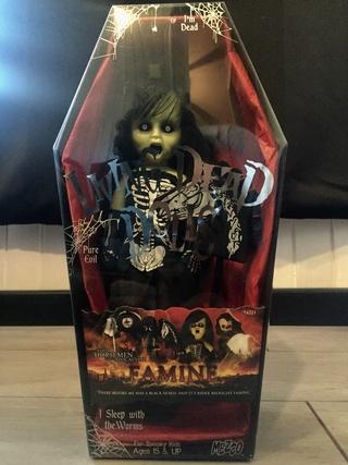 [VENDS] Living Dead Dolls (modèles rares) Img_8421