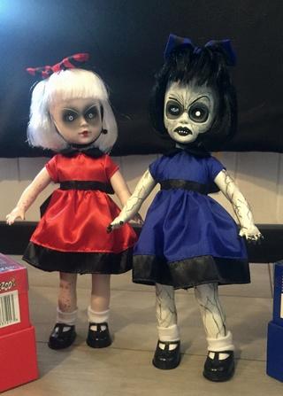 [VENDS] Living Dead Dolls (modèles rares) Img_8425