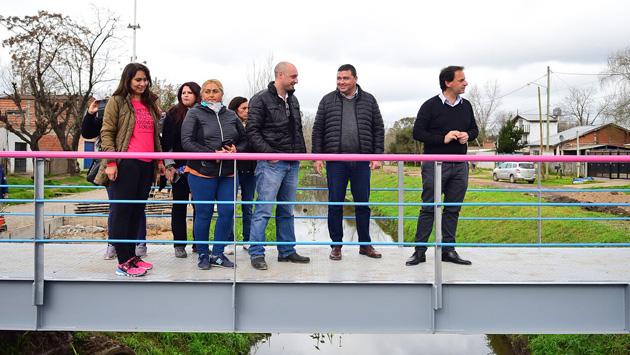 Reconstruyen puentes unen barrios en Garín y Maschwitz. 00128