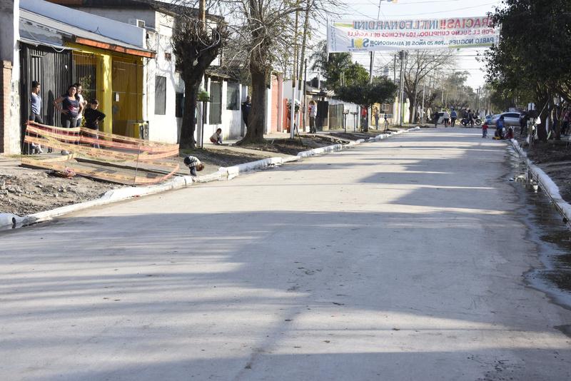 bourg - Malvinas Argentinas: pavimentación en Grand Bourg. _dsc0310