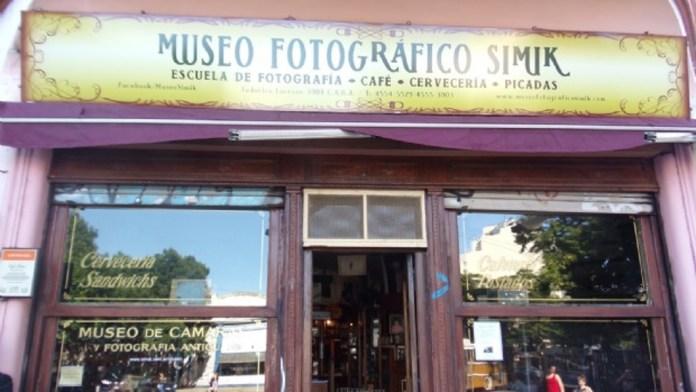 Chacarita: siete delincuentes asaltaron un bar museo tras un show de jazz F620x310