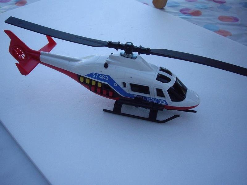 N°2360 hélicoptère de combat Imgp7310