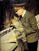 Adolf Hitler : la lutte nécessaire pour la vie, l'idéalisme pour la civilisation. Hitler10