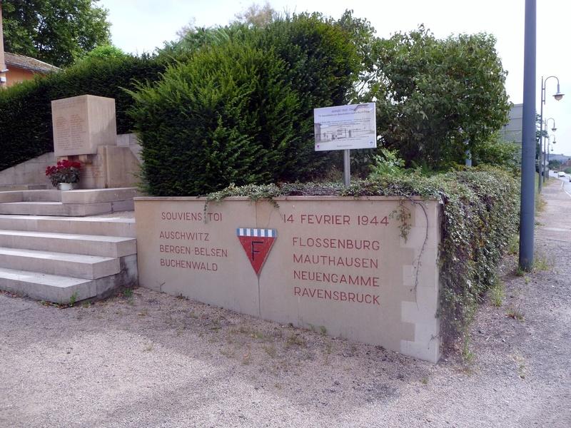 [ Histoires et histoire ] Monuments aux morts originaux Français Tome 2 Souven11