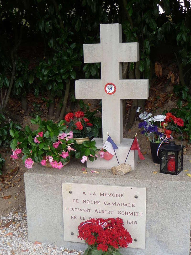 [ Histoires et histoire ] Monuments aux morts originaux Français Tome 2 Souven14