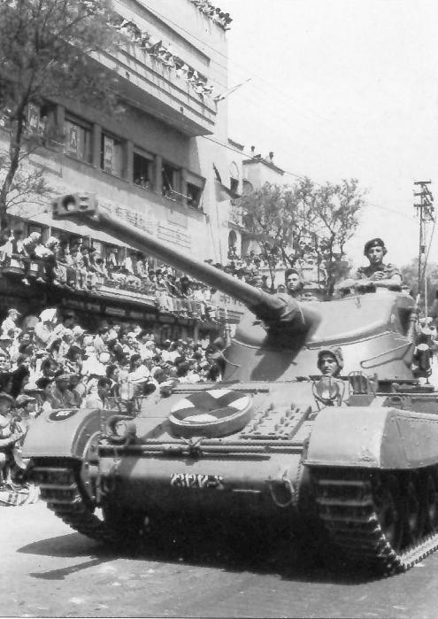 AMX-13 Tam : quelles modifs pour en faire un Israélien ou un Indien ? Cid_ac10