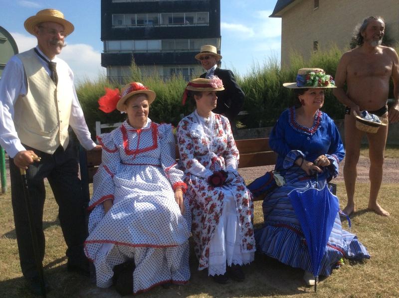 La belle époque à Cabourg  7,8,9 Juillet 2017, les photos - Page 2 Img_2120