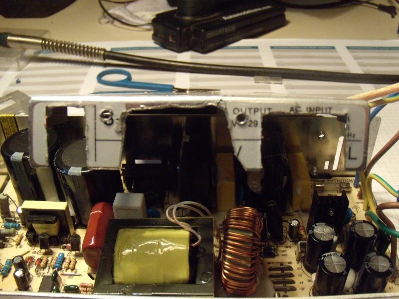 Modifier alim 12V 30A pour avoir un inter et des borniers Modif_28