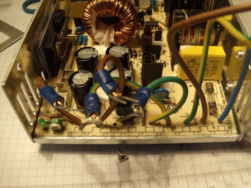 Modifier alim 12V 30A pour avoir un inter et des borniers Modif_29