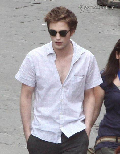 Robert Pattinson Official Gallery - Page 3 36002613