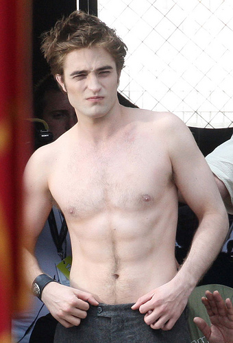 Robert Pattinson Official Gallery - Page 3 36010810