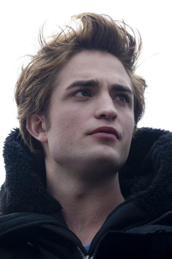 Robert Pattinson Official Gallery - Page 3 Edward10