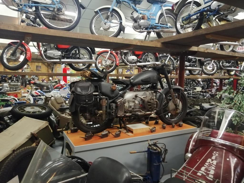 musee moto dans le 63 Img_2047