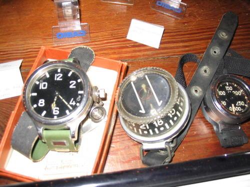 Les montres de plongée militaires, sujet historique. Ensemb11