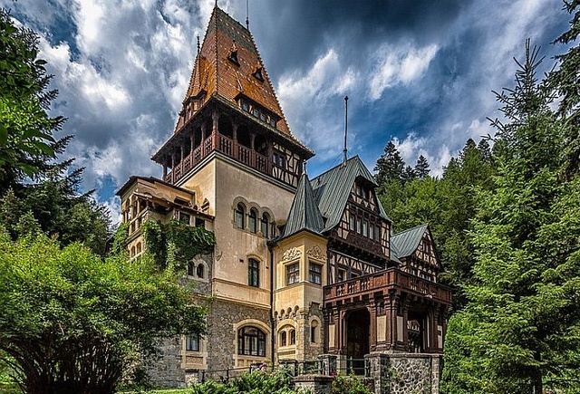 LE CHATEAU PELES (Roumanie) Chatea12