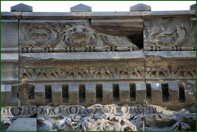 LE TEMPLE DE GARNI (Arménie) Frise-10