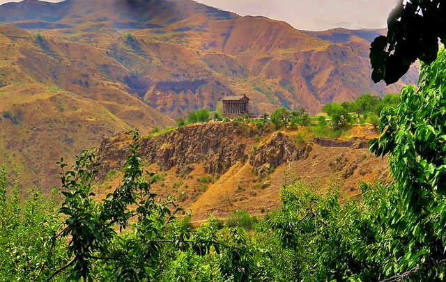 LE TEMPLE DE GARNI (Arménie) Garni_11