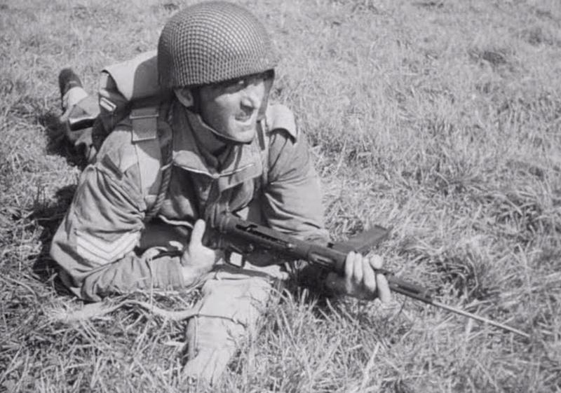 The new bayonet for the Sten gun, Para10