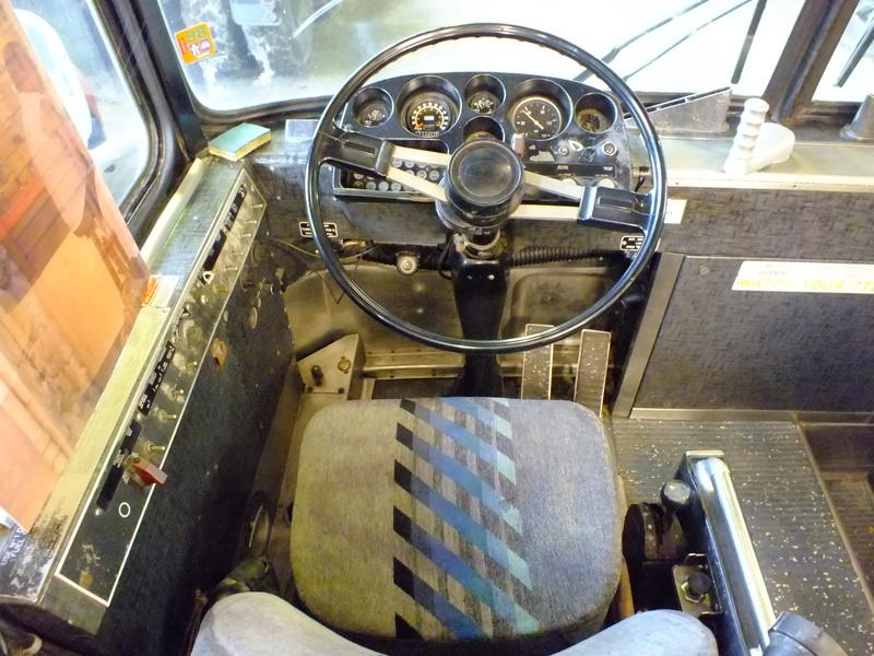Autobus Prévost panoramique 1963 en ordre de marche légal pour la route unique ? Dscf4610