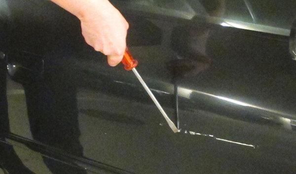 Cocu, il vandalise l'auto de sa femme... qui était à lui Topele10