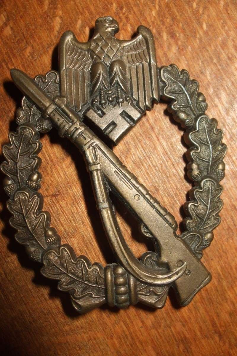 Vos décorations militaires, politiques, civiles allemandes de la ww2 - Page 2 Photo_20
