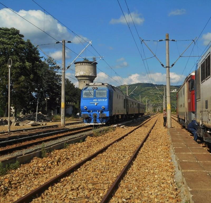 Trenuri Interregio  - Pagina 3 Dscn3410