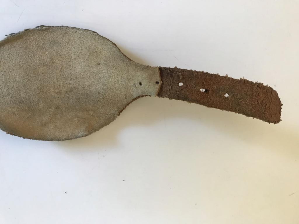 Mentonnière cuir  Fdcaa610