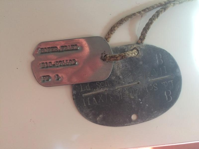 plaques allemandes dont une avec dog tag us PW Img_8921