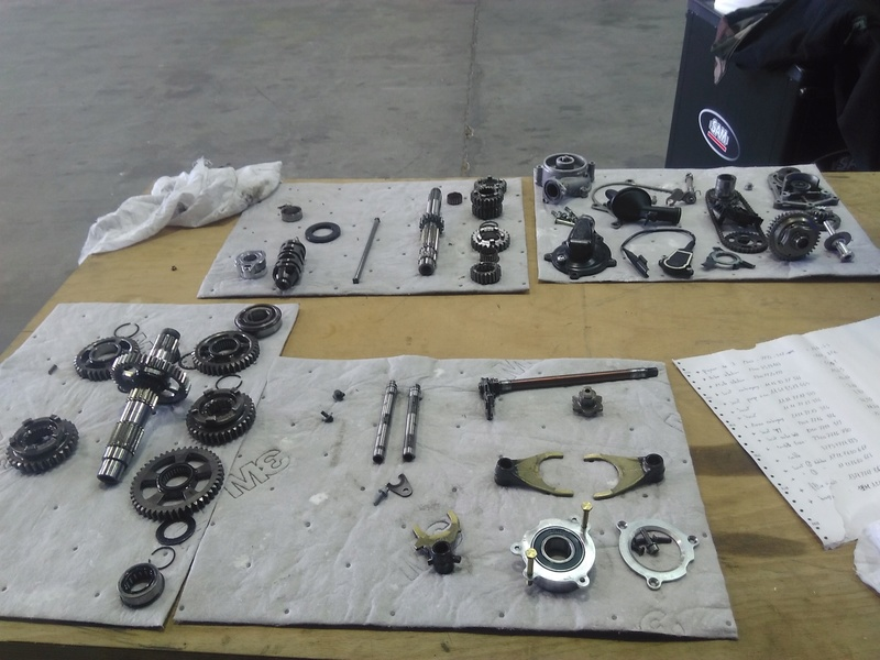 demontage boite de vitesse s1000rr 2011 Img_2013