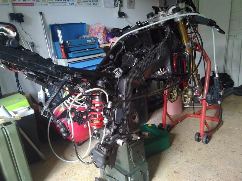 demontage boite de vitesse s1000rr 2011 Img_2016
