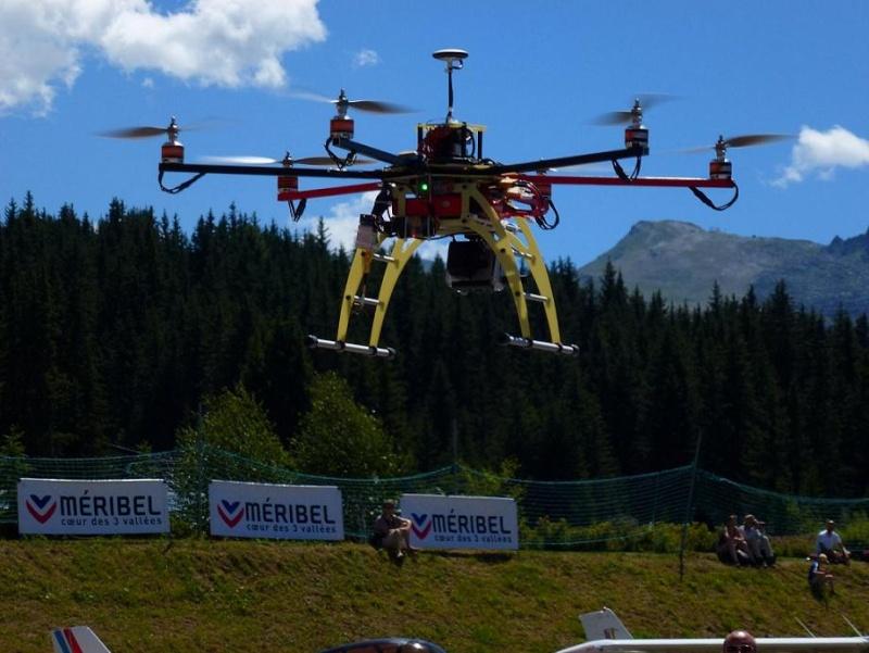 Méribel Air Show 2012 - Page 2 Drone10