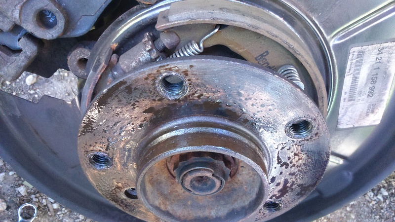 [ bmw e46 320d M47 an 1999 ] Bruit au niveau de la roue ar droite (résolu) - Page 3 Dsc_0612