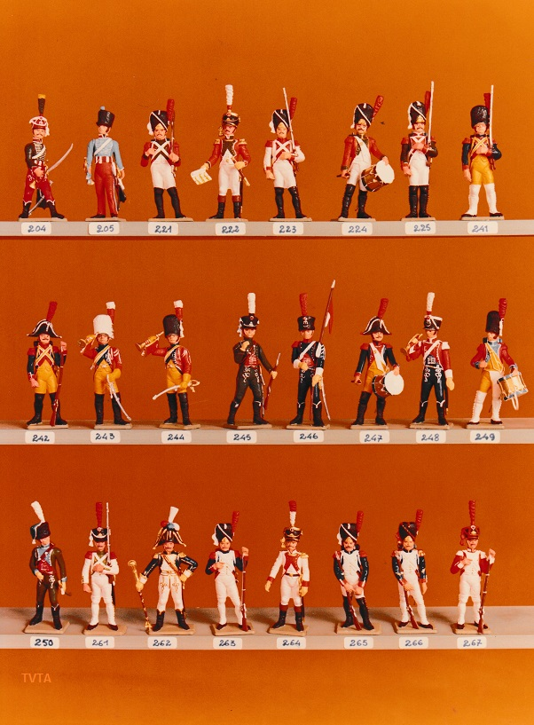 Anyone recognise these toy soldiers? - Mystery Solved! Creati19