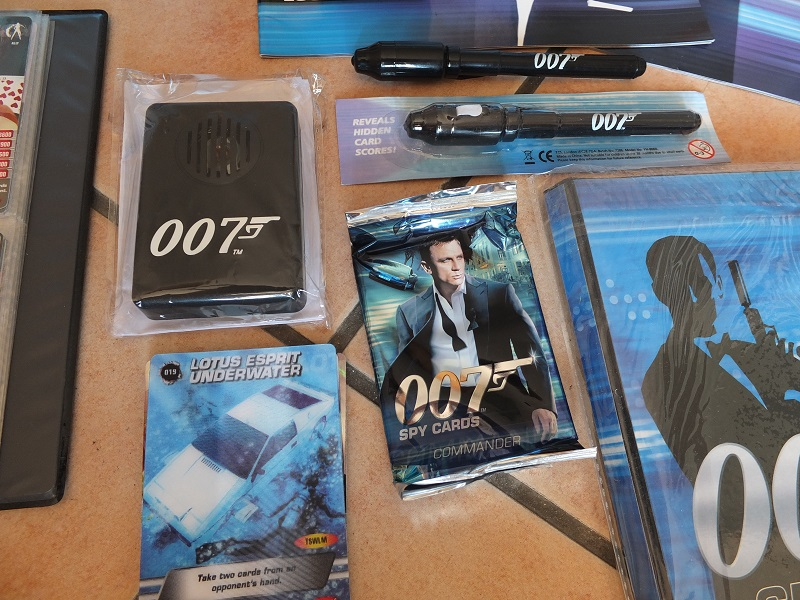 James Bond 007 Trading Card set - finally complete! James_12