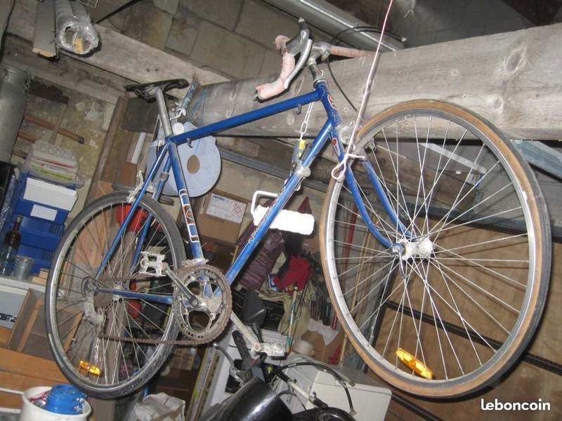 velo marque Favorit  Made in tcheq Cac45510
