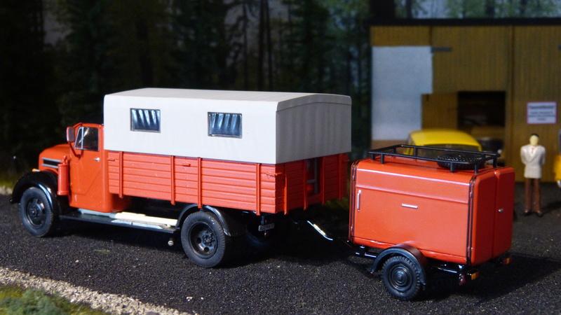 Eigenbau Schwerlastanhänger TL 20 und TL 12 Straßenwalze DW 10 und andere Fahrzeuge in 1 43 - Seite 4 P1090242