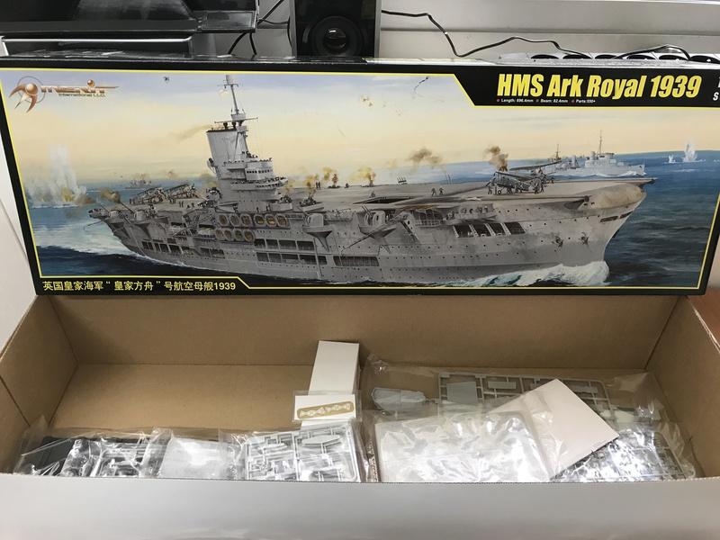 HMS ARK ROYAL. (91). 1/350.  MERIT Img_4215