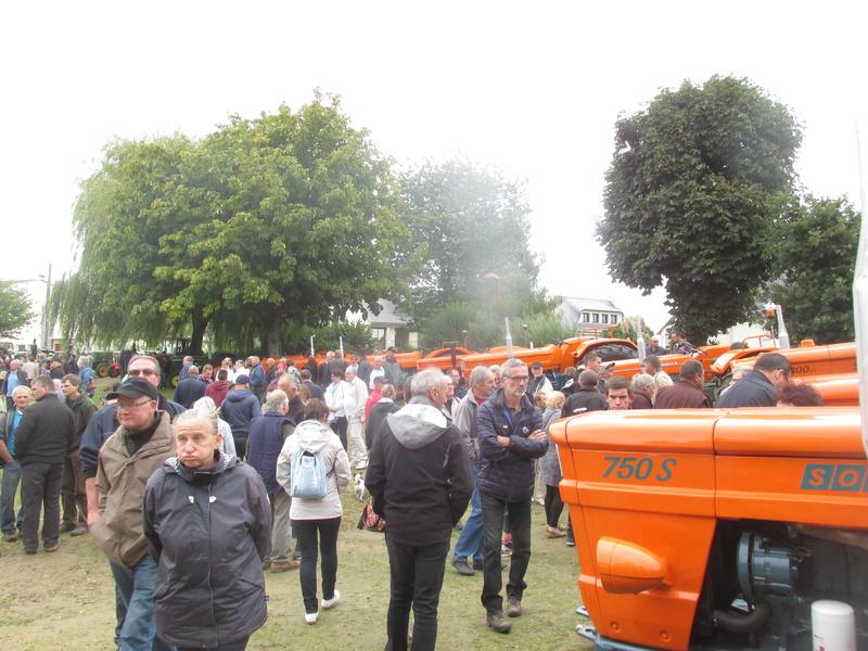 350 photos de vieux tracteurs Fete_114