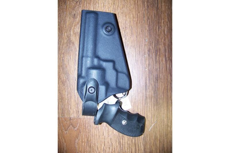 choix d'un revolver pour le TAR - Page 2 Manurh17