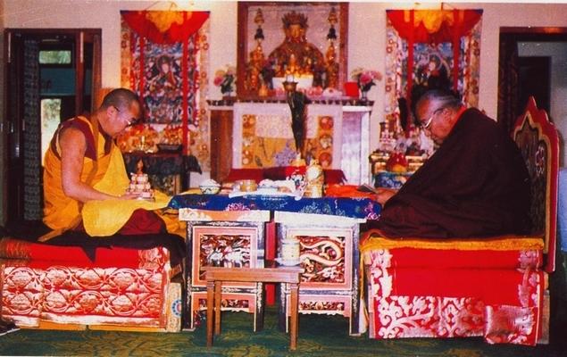 Actualités du Bouddhisme dans le monde: Le maître tibétain Sogyal Rinpoché disgrâcié D_l_k_11