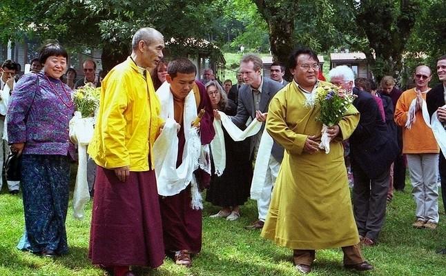 Actualités du Bouddhisme dans le monde: Le maître tibétain Sogyal Rinpoché disgrâcié Nyoshy10