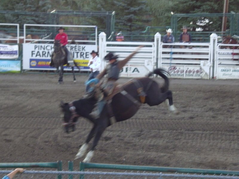 PINCHER CREEK ALBERTA, SON RODEO ET SA PARADE Imga0121