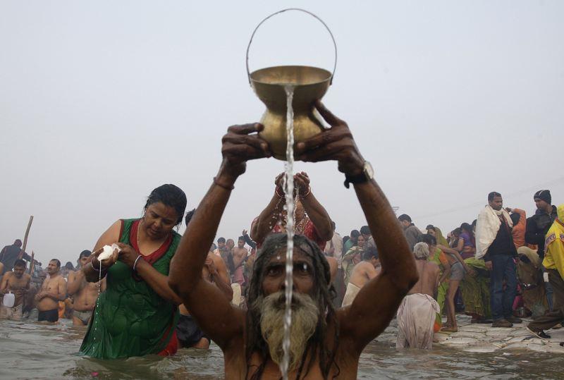 """""""Kumbh Mela"""" (Pitcher Festival) 2013-154"""