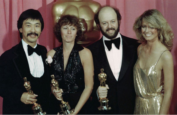 Academy Awards History - Page 2 Ap780410