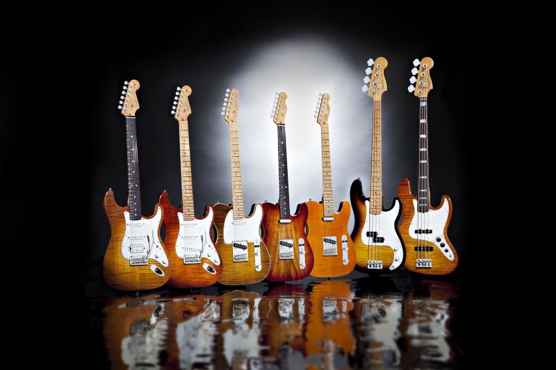 y'a des nouvelles Fender Select Séries... Fender11