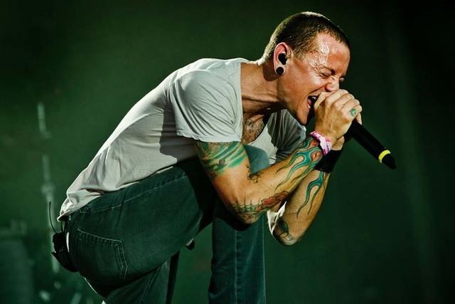 A Legend Passes: Chester Bennington (Linkin Park) 9yjwio11