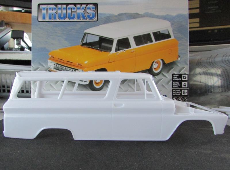 1966 Chevrolet Suburban de Revell  C9c79710